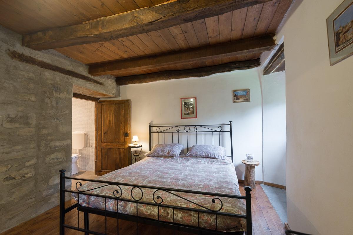 Appartamenti la casa nel bosco for Quattro piani di casa camera da letto ranch